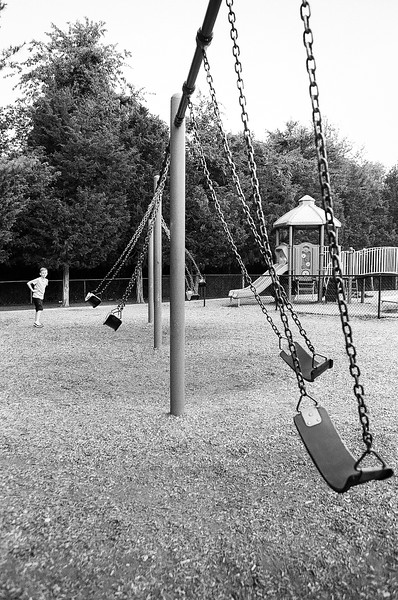 I wonder if I can make all the swings move at the same time? Aug 2016. Kodak Tri-X.
