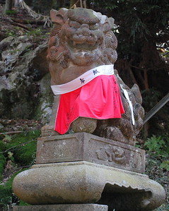 Lion statue at Fushimi Inari Shrine