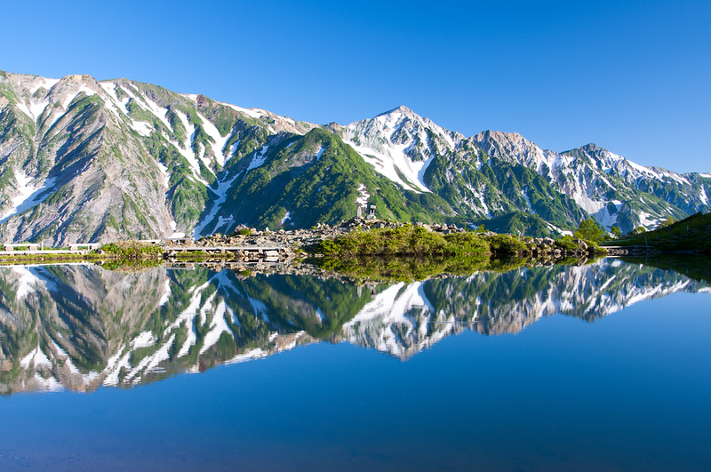 North Japan Alps from Happo-ike Pond near Hakuba. Editorial credit: Krishna Wu / Shutterstock.com