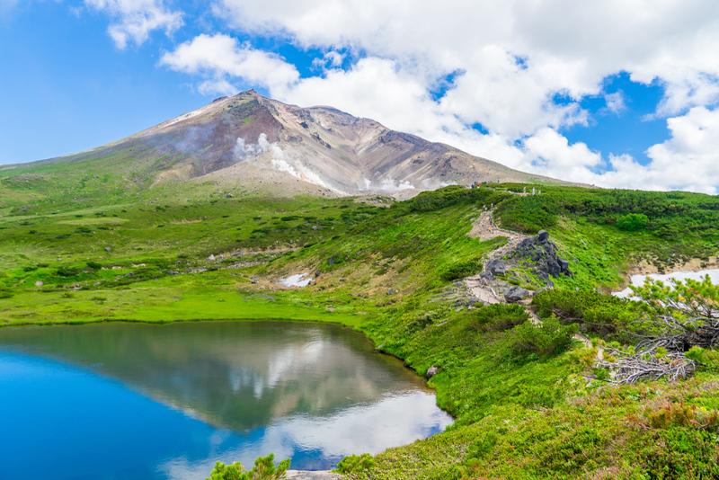 Asahi-dake Peak in Daisetsuzan National Park. Editorial credit: THONGCHAI.S / Shutterstock.com
