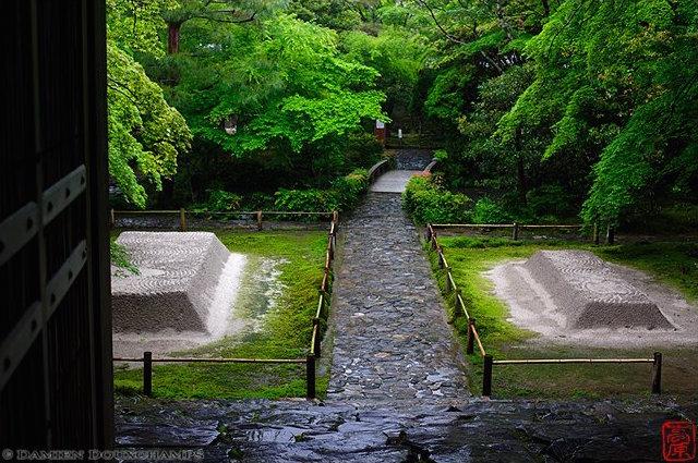 Honen-in Temple, Kyoto - image by Damien Douxchamps