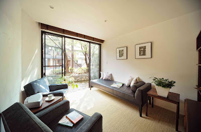 Ayanokoji House - Kyoto vacation rental - living room with view of the canal