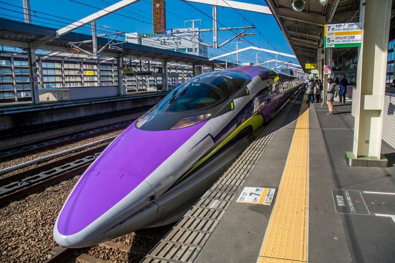 500 Series Shinkansen in Himeji. Editorial credit: Kapi Ng / Shutterstock.com