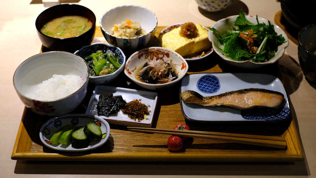 The full Japanese-style breakfast at Shunsai Imari.