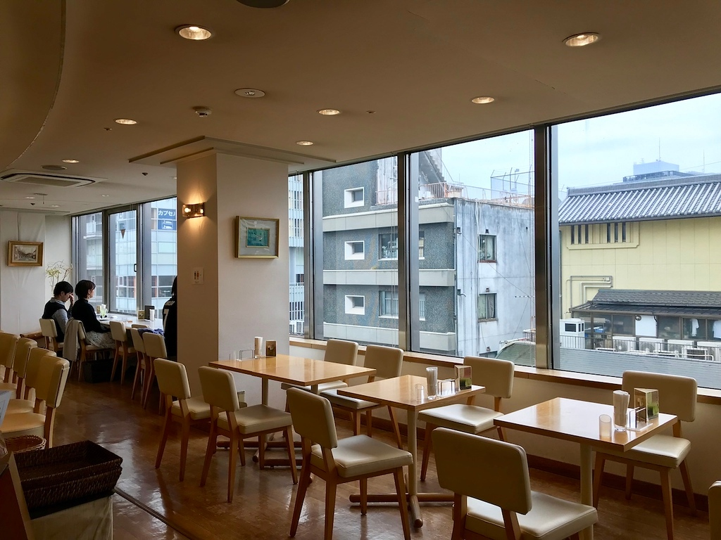 Inside Kyo-Hayashiya at Sanjo.