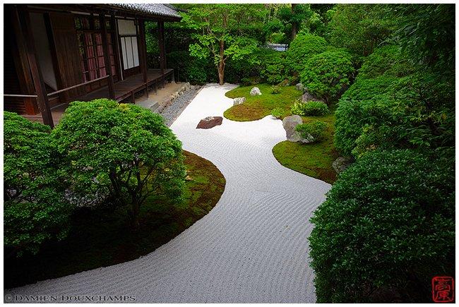 Rock garden at Daishin-in Temple image copyright Damien Douxchamps