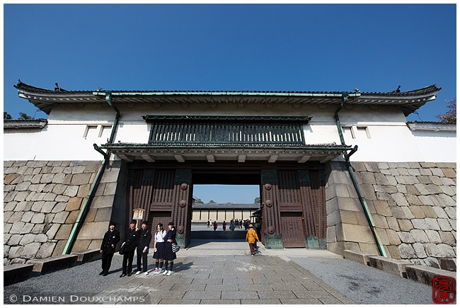 Gate at Nijo-jo Castle : copyright Damien Douxchamps