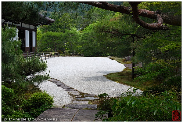 Karesansui garden at Konchi-in Temple: copyright Damien Douxchamps