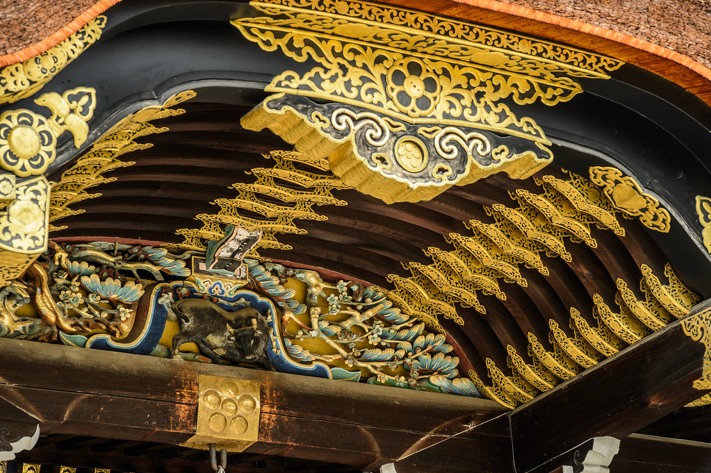Detail of main hall at Kitano-tenmangu Shrine : copyright Jeffrey Friedl