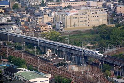 Shinkansen series 700 approaching Kyoto station