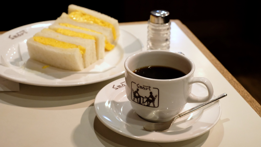 House blend coffee and egg sandwiches at Smart Coffee, Teramachi.