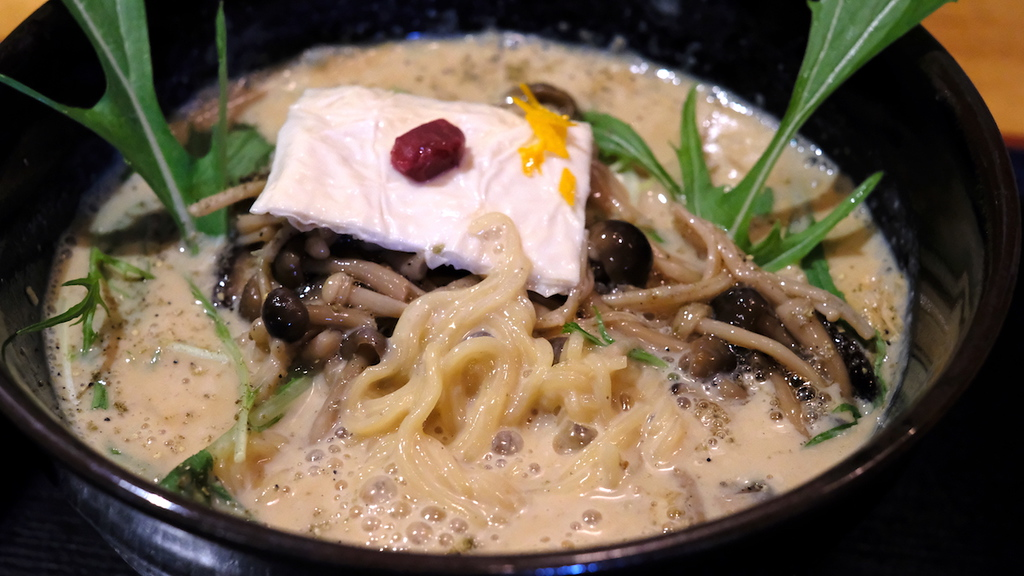 Close-up of the 'Musashi' noodles.