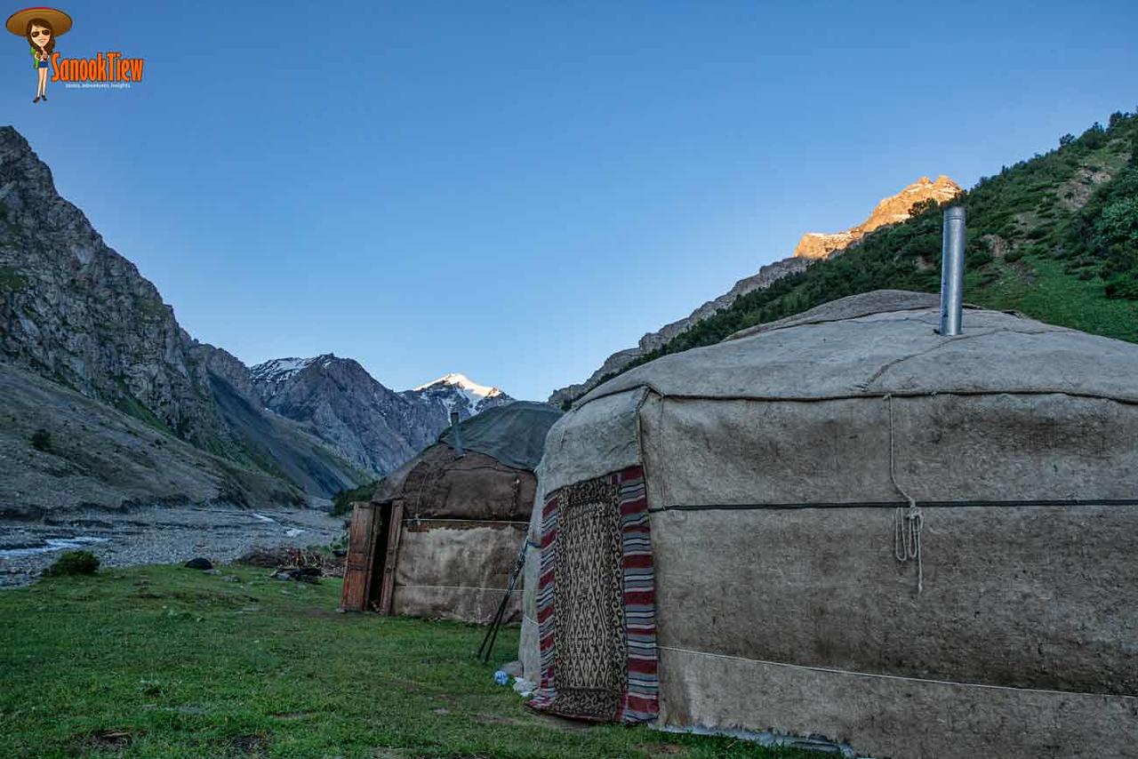 Heights of Alay Trek, Sary Moghul, Krygyzstan คีร์กีซสถาน