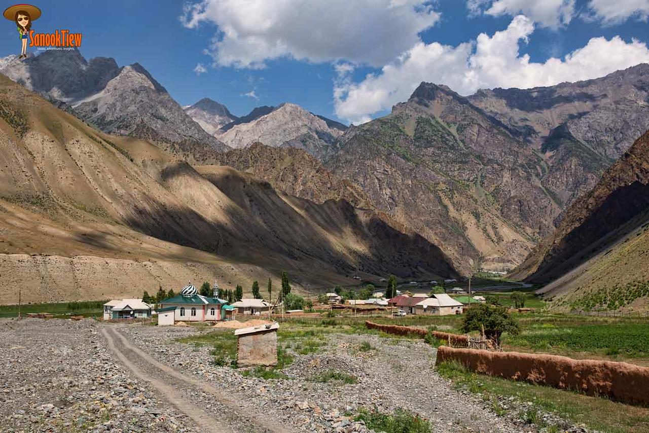 Heights of Alay Trek, Sary Mogol, Krygyzstan คีร์กีซสถาน