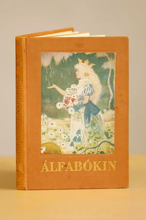 Álfabókin : álfasögur - álfaljóð / Stefán Jónsson valdi efnið