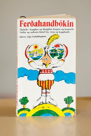 Ferðahandbókin / ritstjóri Örlygur Hálfdanarson