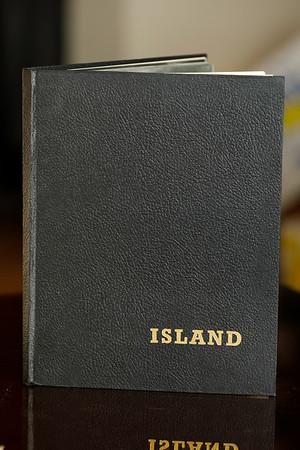 Ísland = Iceland : myndir og minningar = views and scenes