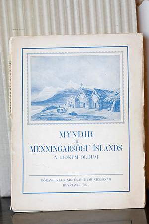 Myndir úr menningarsögu Íslands á liðnum öldum