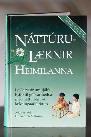 Náttúrulæknir heimilanna : leiðarvísir um sjálfshjálp til góðrar heilsu með náttúrlegum lækningaaðferðum
