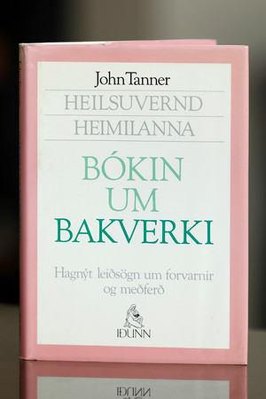 Bókin um bakverki : heilsuvernd heimilanna / John Tanner
