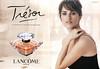 LANCÔME Trésor 2010 Spain spread 'El perfume de los instantes preciosos'<br /> <br /> MODEL: Penelope Cruz, PHOTO:  Mario Testino