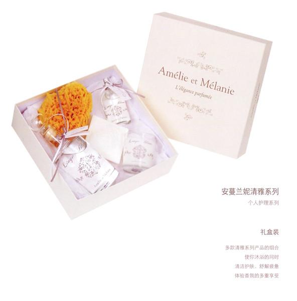 AMÉLIE ET MÉLANIE by LOTHANTIQUE Linge Blanc L'Élégance Parfumée gift set 2017 France (format 15 x 15 cm) - text in Chinese