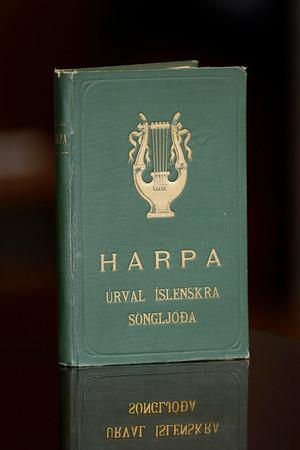 Harpa : úrval íslenskra söngljóða