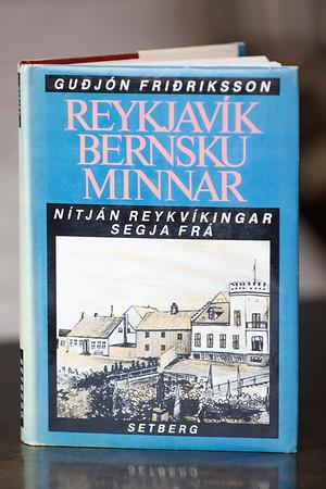 Reykjavík bernsku minnar : nítján Reykvíkingar segja frá / Guðjón Friðriksson