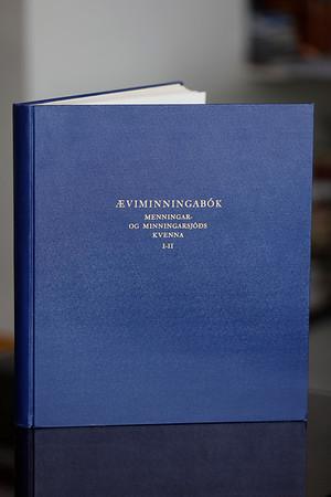 Æviminningabók Menningar- og minningarsjóðs kvenna I-II