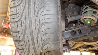 Inside Tyre worn - possible tracking issue
