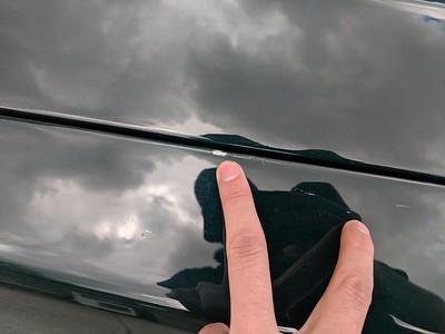 Chip/scratch between bonnet and RH wing