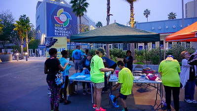 LA Big5K LA Marathon  Dodger Stadium    March 18, 2017         Photo: ©2017 Rich Cruse / LA Marathon
