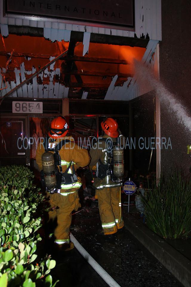 LAFD_Cozycroft Fire_045