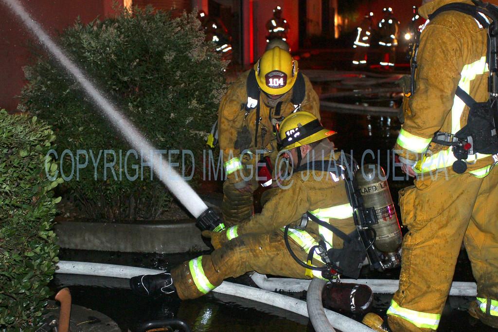 LAFD_Cozycroft Fire_028