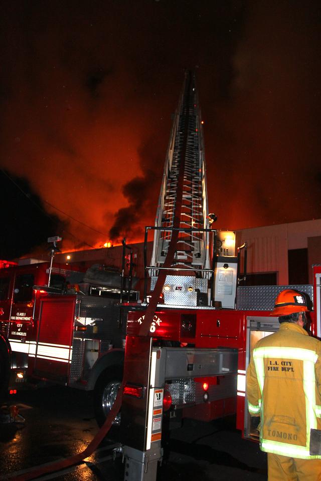 LAFD_Cozycroft Fire_022
