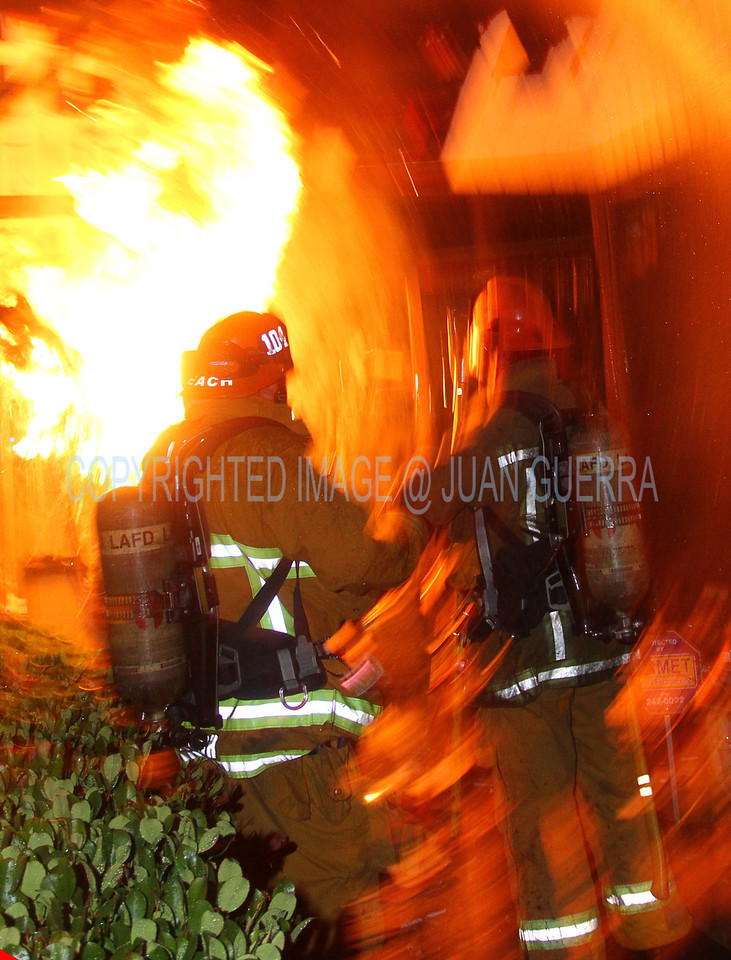 LAFD_Cozycroft Fire_047