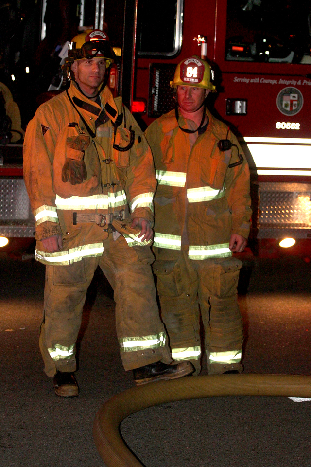 LAFD DRUG LAB HOUSE FIRE 105_44