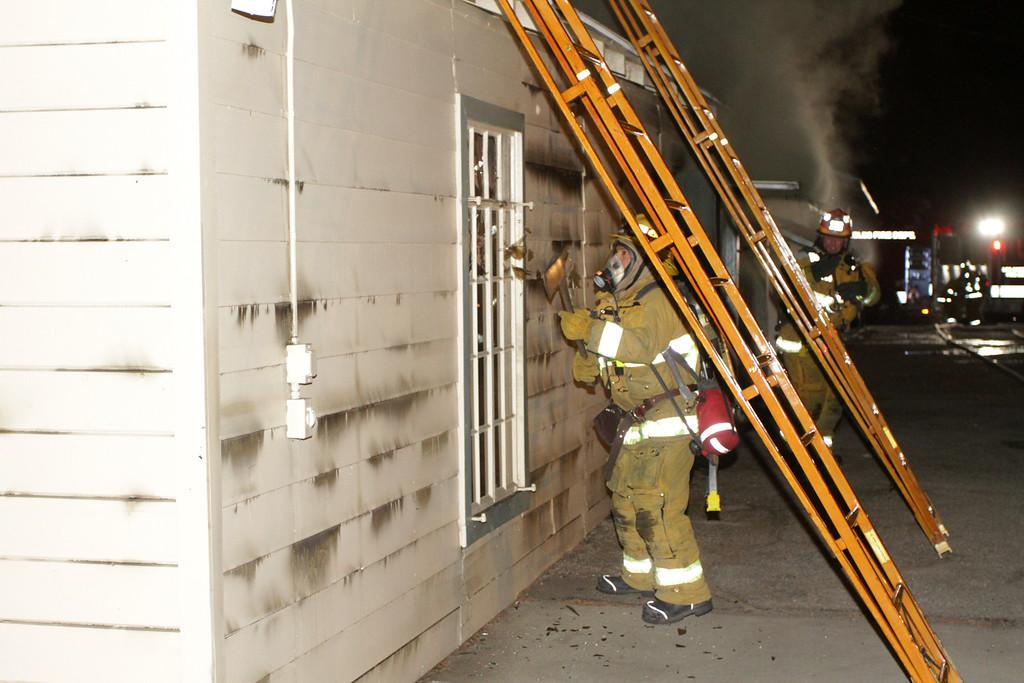 LAFD_STRUCT FIRE_ BURBANK BLBD GARAGES___04