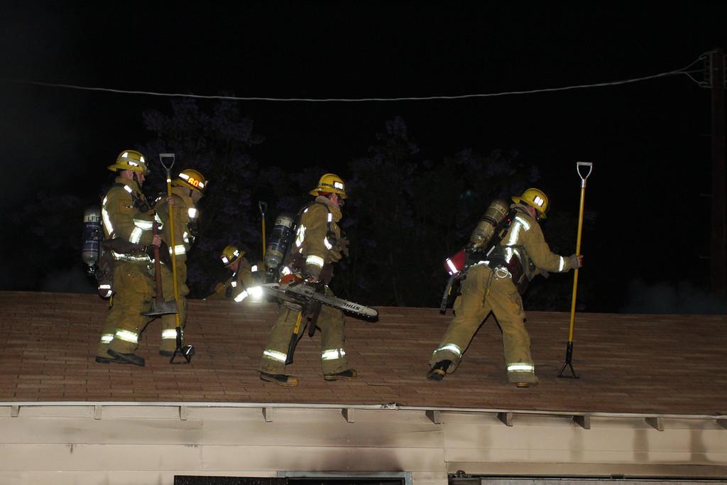 LAFD_STRUCT FIRE_ BURBANK BLBD GARAGES___15