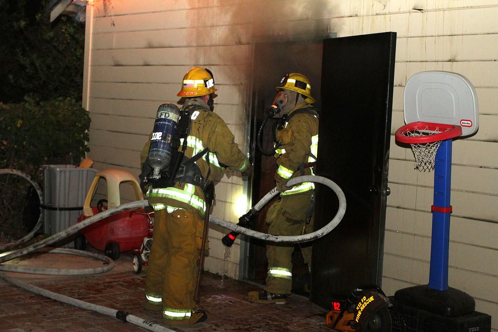 LAFD_STRUCT FIRE_ BURBANK BLBD GARAGES___08