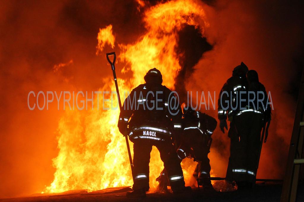 LAFD STRUCT FIRE GEYSER_36