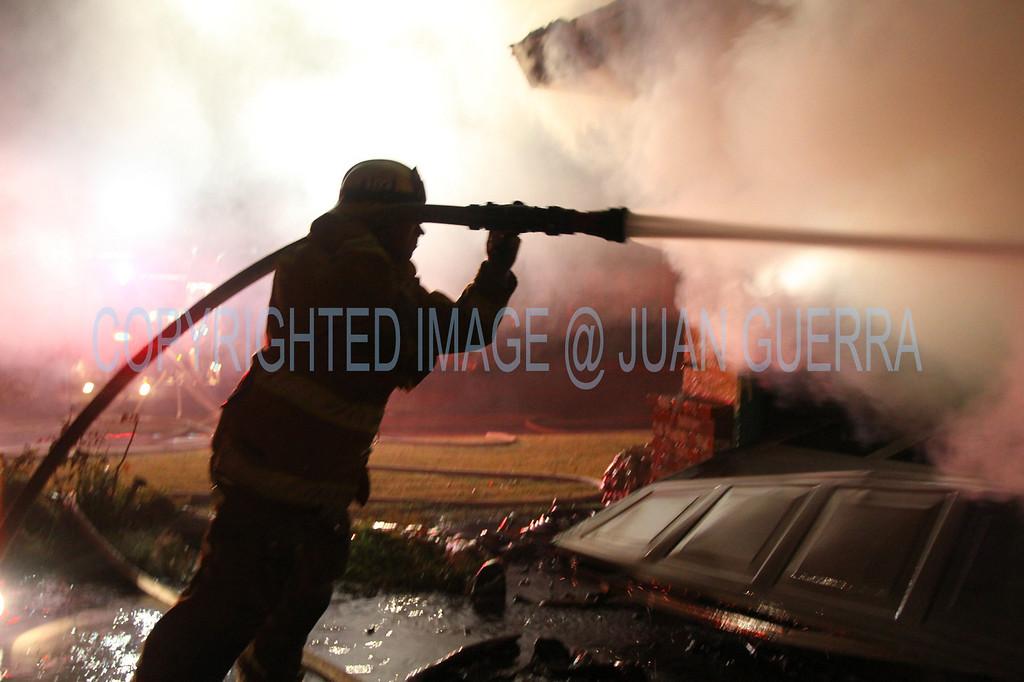 LAFD STRUCT FIRE GEYSER_64