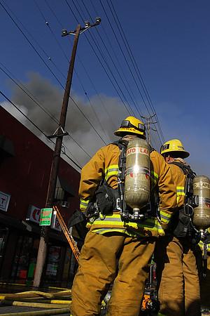 LAFD_STRUCT FIRE_ SANTA MONICA IC