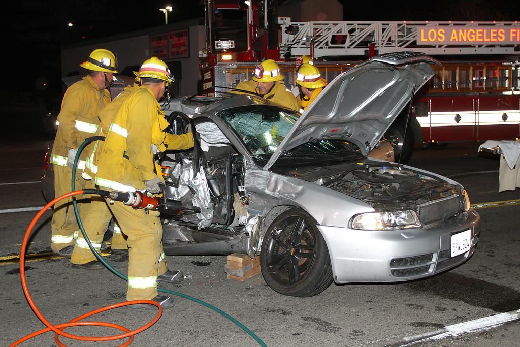 LAFD_TC_MAGNOLIA & COLDWATER CANYON___01