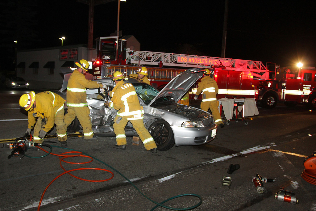 LAFD_TC_MAGNOLIA & COLDWATER CANYON___03