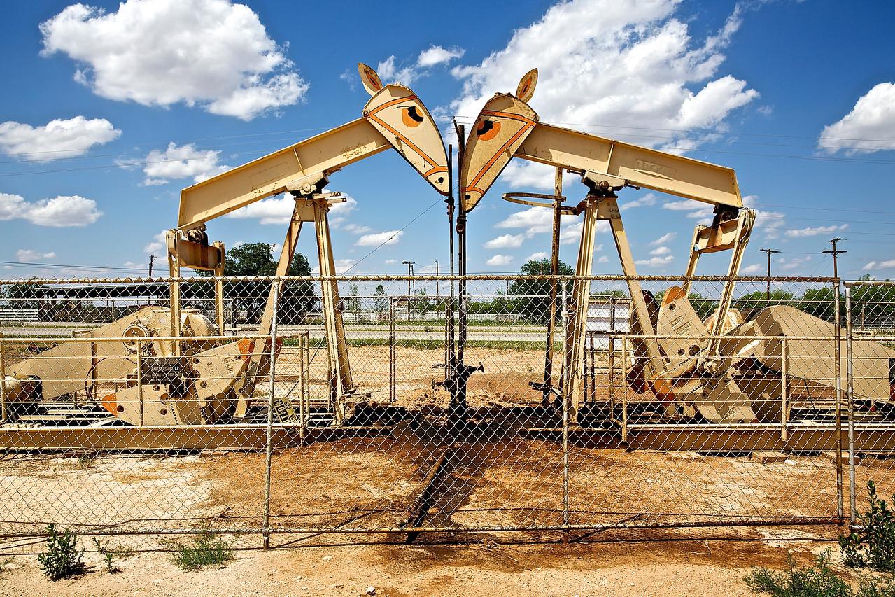 OIL DERRICK PONIES. LUBBOCK, TEXAS