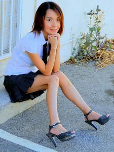 beautiful la woman model 752.90.09.09..