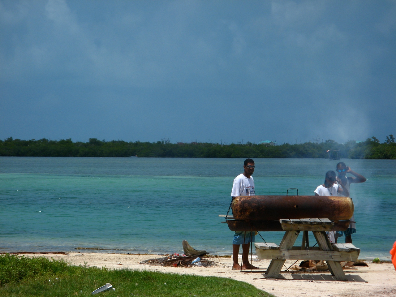 Before we head back to San Pedro, our boat guide cooks up a quick BBQ lunch of the fish we caught on our way over.