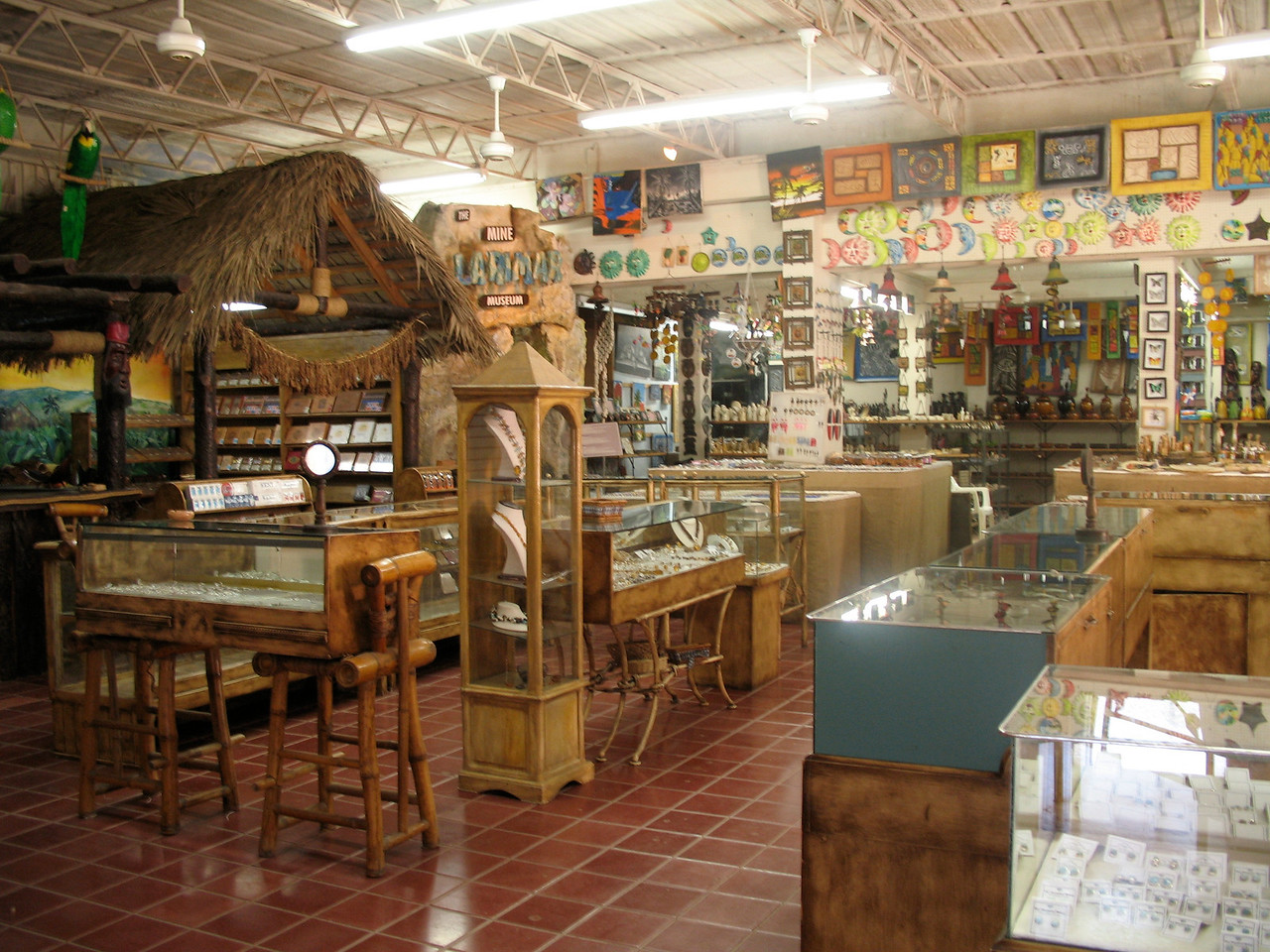 Fifi Jewelry and Cigar in downtown is a place where you can find jewelry made with local stones as well as cigar.
