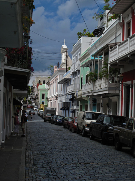 The main central part of the city is characterized by narrow streets made of blue cobblestone and picturesque colonial buildings, some of which date back to the 16th and 17th century.